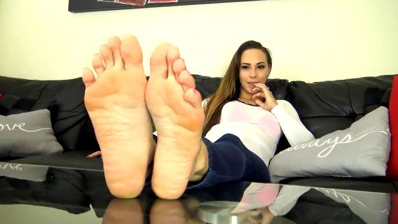 Sasha foxxx feet joi . Porn pic.