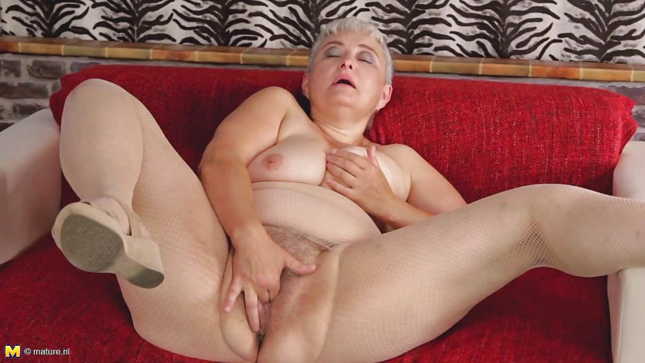 The E. Q. recomended fingering fat girl